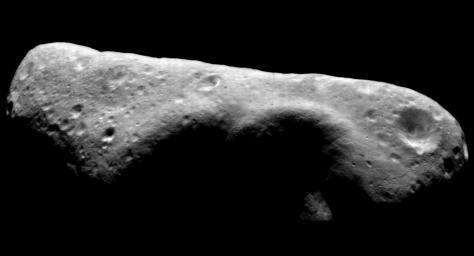 Un día como hoy, no podíamos dejar de recordar que EROS, también es un asteoride. Imagen de la NASA y JPL el 30 de noviembre de 2000.