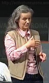 La catedrática, Julia Cuevas, durante la exposición. Credit: ACTIVATUNEURONA