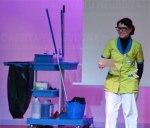 Natalia Ruiz, homenajeó a las limpiadoras en una conferencia sobre el polvo estelar. Credit: ACTIVATUNEURONA