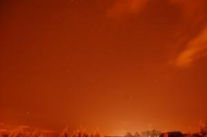 Contaminación lumínica en el cielo nocturno. Credit: ACTIVATUNEURONA