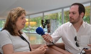Un  momento de la entrevista con Rosa María Ros. Credit: ACTIVATUNEURONA