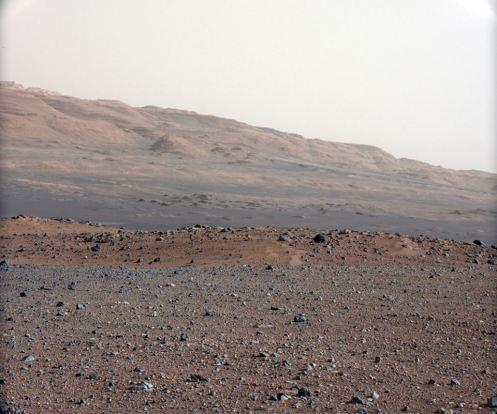 Vista del monte Sharp desde las cámaras de Curiosity. Credit: NASA