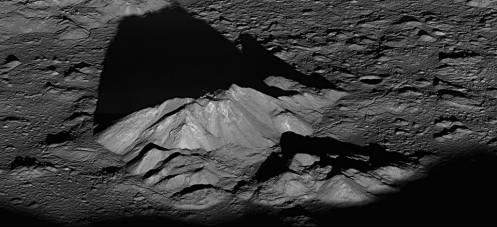 Pico central del Crater Tycho: Foto: NASA