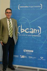 El profesor Jesús Sanz-Serna en la sede la BCAM. Foto: Izaskun Lekuona
