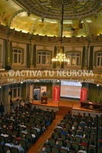 Salón de actos, al completo, de la Biblioteca de Bidebarrieta en Bilbao. Foto: © Izaskun Lekuona