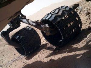 Detalle de las ruedas de Curiosity. Foto: NASA/JPL-Caltech/MSSS