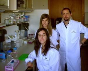 El profesor del departamento de Genética, Antropología Física y Fisiología Animal en la Facultad de Medicina de la UPV/EHU, José Antonio Rodríguez, en un laboratorio universitario.