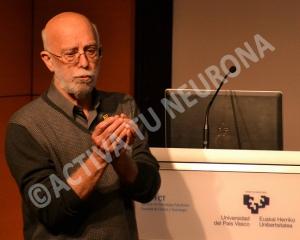 El profesor Rivas, en un momento de la conferencia. Foto: © Javier San Martín