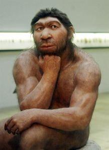 """El """"pensador"""" Neandertal del Museo Halle."""