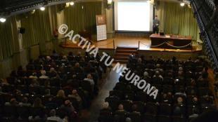 Goran Stipcich durante su conferencia en la repleta biblioteca de Bidebarrieta. Foto: © Javier San Martín