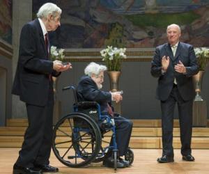 John F. Nash Jr. y Louis Nirenberg reciben el Premio Abel 2015 de Su Majestad el Rey Harald V. Foto: NTB / Scanpix