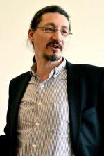 Paul G. Higgins, investigador del Institute for Medical Microbiology, de la Universidad de Colonia. Foto: © Izaskun Lekuona